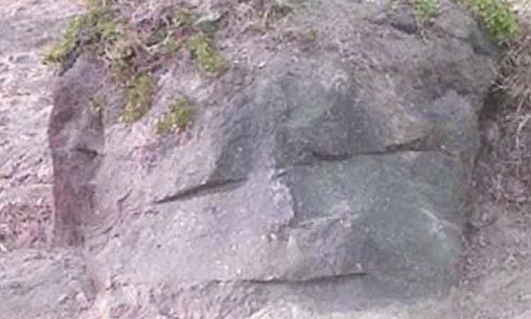 Cerita Legenda Batu Menangis Dari Daerah Kalimantan Selatan