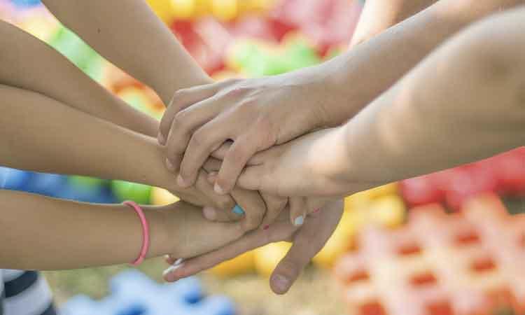 10 Contoh Sikap Menunjukkan Persatuan Dan Kesatuan Juga Yang Tidak